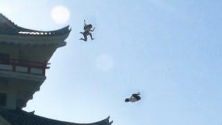 getlinkyoutube.com-忍者女子高生 | 制服で大回転 | japanese school girl chase  #ninja