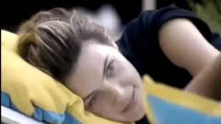 getlinkyoutube.com-Diana joga prendedor em Natalia, e Natalia não gosta
