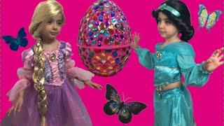 getlinkyoutube.com-Disney Jasmine And Rapunzel In Real Life Giant Surprise Eggs + Frozen Elsa Toys + Kinder Egg