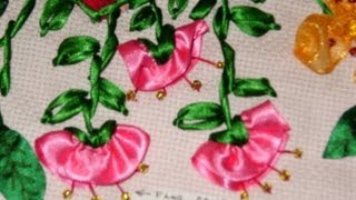 getlinkyoutube.com-DIY Cómo hacer la flor de campanilla en capullo, bordando en listón.