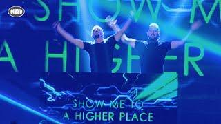 getlinkyoutube.com-Dimitri Vegas & Like Mike στα Mad VMA 2015 by Coca-Cola (Full Version)