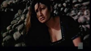 saima shows deep cleavage