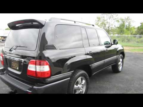 ** SUPER CLEAN !! ** 2006 TOYOTA LAND CRUISER ** WELL MAINTAINED !! SOLD !!
