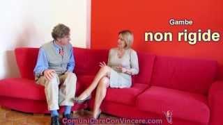 getlinkyoutube.com-Corteggiamento e seduzione: Segnali di attrazione e linguaggio del corpo femminile