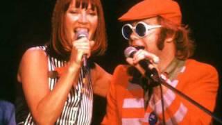 getlinkyoutube.com-Don't Go Breakin' My Heart- Elton John and Kiki Dee w/ lyrics