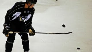 getlinkyoutube.com-Sidney Crosby Amazing Tricks 2013
