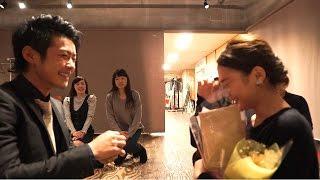 getlinkyoutube.com-【フラッシュモブ】このプロポーズは見逃し厳禁!!本年度最高の感激・感動サプライズ!!みんな泣きましょう![WeddingDay] Flashmob Surprise