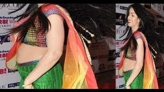 getlinkyoutube.com-Deepika Singh Hot Navel in Sexy Ghagra Choli Spotted @ Gr8! Women Awards 2013