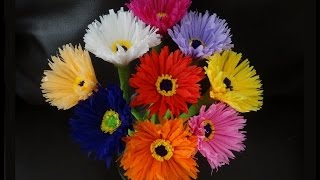 getlinkyoutube.com-How to make paper flowers out of crepe streamers/ DIY Valetine's day craft