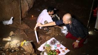 getlinkyoutube.com-เหล็กไหล(Leklai) น้าเขม บ้านภูหลวง 011 ตอน ตามรอยเหล็กไหลถ้ำ