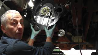 getlinkyoutube.com-Changing the clutch on a Land Rover Discovery 2 TD5.