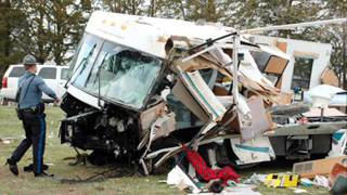 getlinkyoutube.com-Motorhome Wrecks