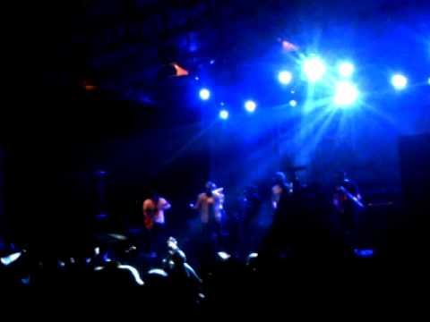 Tipe-X senayan live