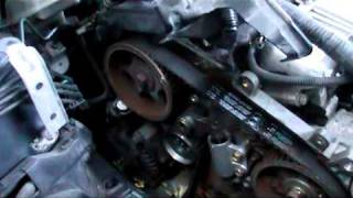 getlinkyoutube.com-Toyota avensis D4D  2 litre diesel timing belt installation