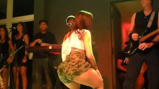 getlinkyoutube.com-Anitta - Medley (Boate Maria do Céu - Maricá )