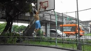 "getlinkyoutube.com-My First Dunk after 4 years of training(5'8""/172cm)"