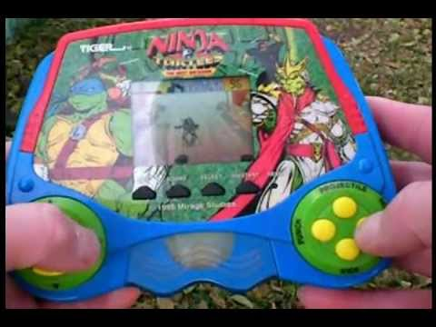 &quot;NINJA TURTLES: THE NEXT MUTATION&quot; ELECTRONIC LCD GAME // Short Game Play Demo (( 1998 ))