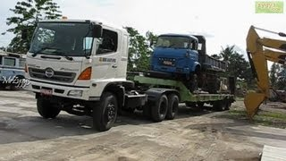 getlinkyoutube.com-Hino FM320TI and Tadano Crane Moving Lifting Unloading Saviem  Truck