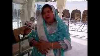 getlinkyoutube.com-Dolly Bindra at Nankana Sahib Gurudwara Lahore Pakistan.1