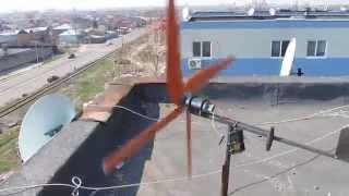 getlinkyoutube.com-Test eoliană 12 volti. homemade.