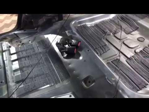 Форд Эскейп - автомобиль большой, а вибро- шумоизоляции на заводе положили мало