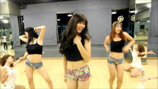 getlinkyoutube.com-SISTAR(씨스타) - SHAKE IT Cover By Deli Project From Thailand