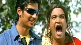 getlinkyoutube.com-Santhanam dressed up like a girl - Simham Puli movie scenes