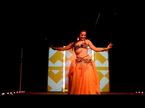 Alia Mohamed - Vintage Style Belly Dance - Bolero ala Drums