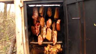 getlinkyoutube.com-Uzení masa ve dřevěné udírně