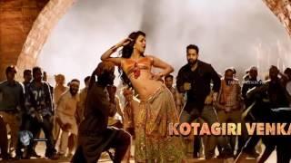 Kajal Agarwal Hot Navel and Boob Show in Pakka Local Song