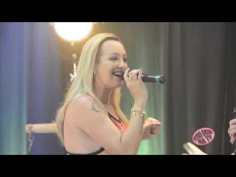 Carla CircelliI E Renata Arabe A NOVA EXPLOSÃO DA MUSICA NO BRASIL