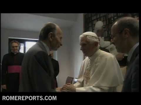 Pope celebrates milestone anniversary with staff of L'Osservatore Romano