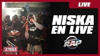 getlinkyoutube.com-Freestyle de Niska en live dans Planète Rap !