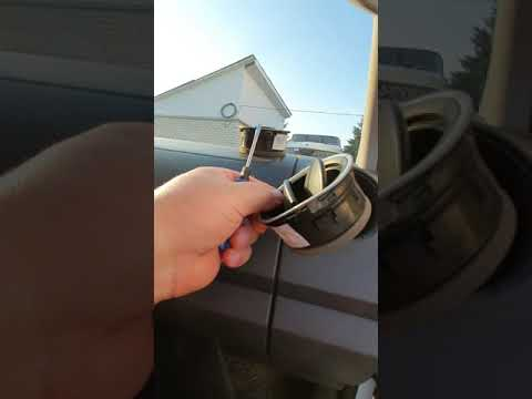 Замена дефлектора подачи воздуха на передней панели!!!(w)Amarok.