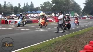 getlinkyoutube.com-VBI Scooter Grand Prix Seri 2 - Super FFA (2T/4T)