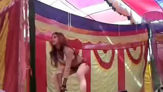 getlinkyoutube.com-Upar Ke 32 Niche  Ke 36 Bhojpuri arkestra dance 2015   YouTube