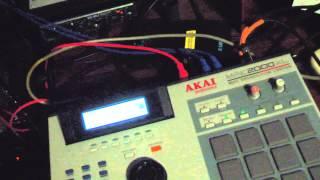 getlinkyoutube.com-Deep Techno featuring Akai MPC2000XL and other synths