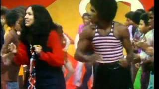 getlinkyoutube.com-Soul Train LIne Dance to Curtis Mayfield  Get Down
