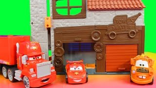 getlinkyoutube.com-Disney Pixar Cars Imaginext Lightning McQueen Red Hauler Mater Garage Just4fun290 toys