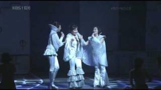 getlinkyoutube.com-Mamma Mia!  Super Trouper - ABBA (Korean version)
