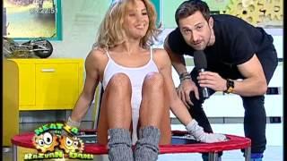 getlinkyoutube.com-Exerciţii aerobice pe trambulină cu Roxana Ionescu şi Flavia Mihăşan