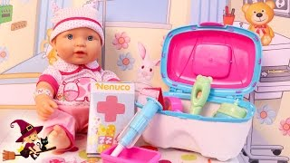 getlinkyoutube.com-La Bebe se Resfria y Va al Hospital Kit Médico de Nenuco