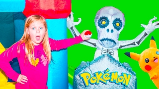 getlinkyoutube.com-POKEMON Assistant Surprise Search for Pokeballs Spooky Inflateable Bounce House Toys Video