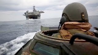 getlinkyoutube.com-Assault Amphibious Vehicle AAV-P7/A1 In Action