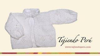getlinkyoutube.com-Chaqueta para bebés en punto arroz y rombos calados