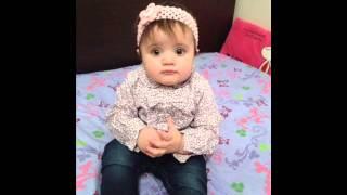 getlinkyoutube.com-ام تعلم ابنتها الصغيرة الدعاء... فيديو روعة