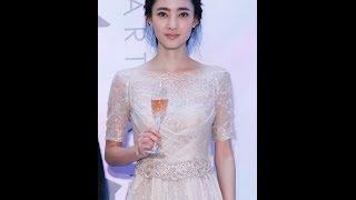 "getlinkyoutube.com-十年磨一剑  王丽坤新闪耀 ""素颜女神""期待恋情"