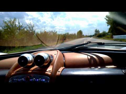 Pagani Huayra brutal acceleration!
