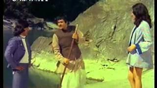 Ponga Pandit (1975) Jijaji Jijaji  ,Merehi Didi Hai Anari , Isseh pyar Sikhlayeho !