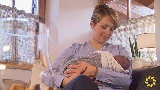 getlinkyoutube.com-Magdalena Neuner zeigt ihr Baby